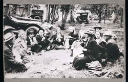 Group Picnic, Warwick 1915