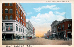 De Mers Avenue Grand Forks ND 09-21-1932