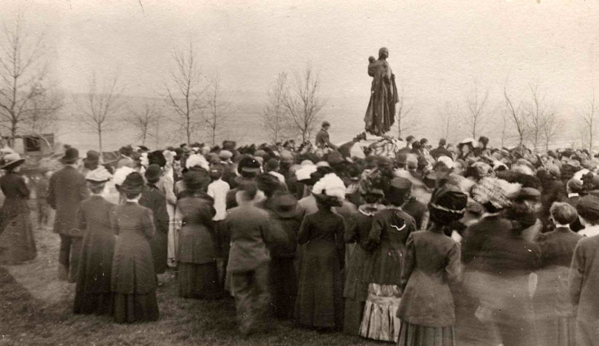 Original Sakakawea Statue Dedication Ceremony 1910
